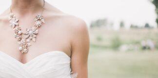 jaki dekolt sukni ślubnej wybrać?